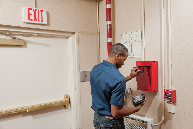 Electrical and Electronics Safety Inspection using Mobile Devices pervidi